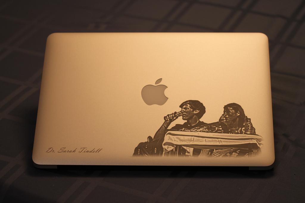 MacBook Wedding Gift - Photo Engraving