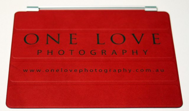 customized-red-smartcover